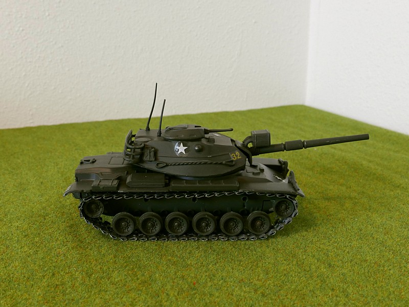Polistil M60A1 right side view