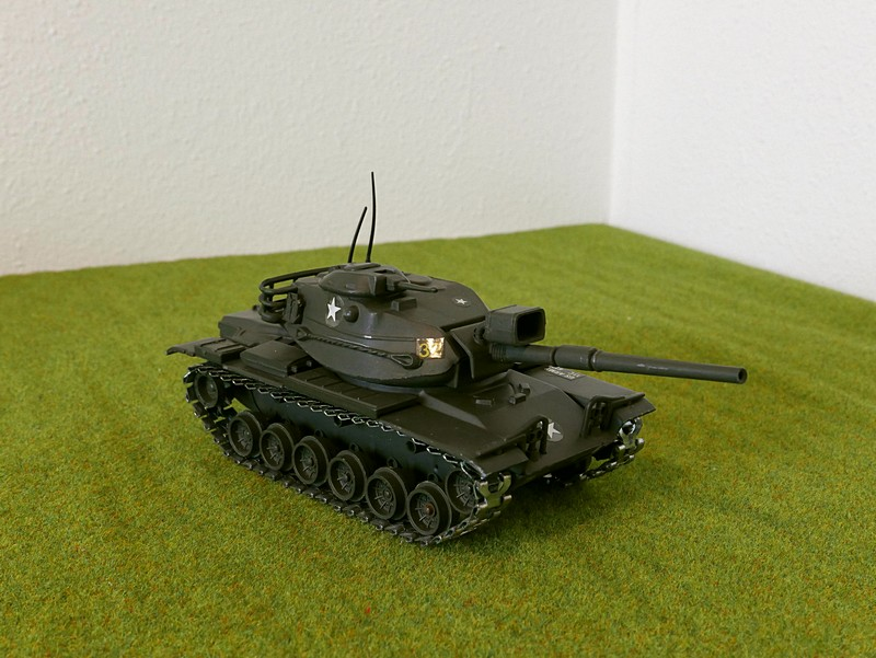 Polistil M60A1 right front view