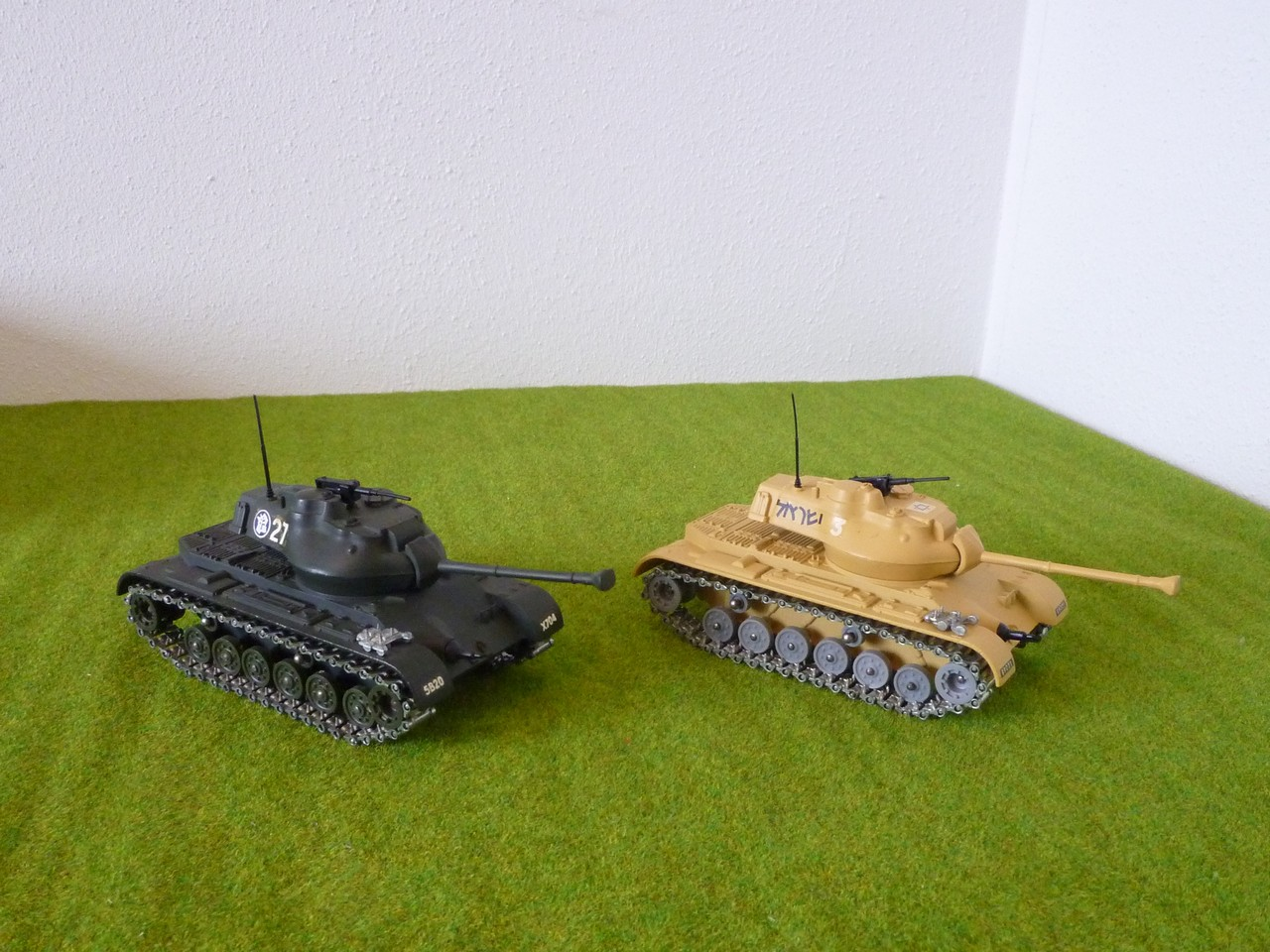 Solido M47 Patton right front view