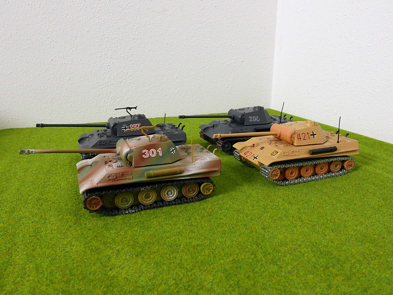 group of 4 Solido Panther G tanks left view