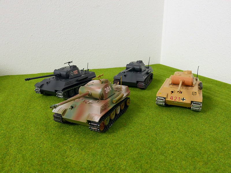 group of 4 Solido Panther G tanks left front view