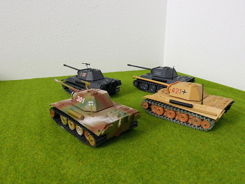 group of 4 Solido Panther G tanks left rear view