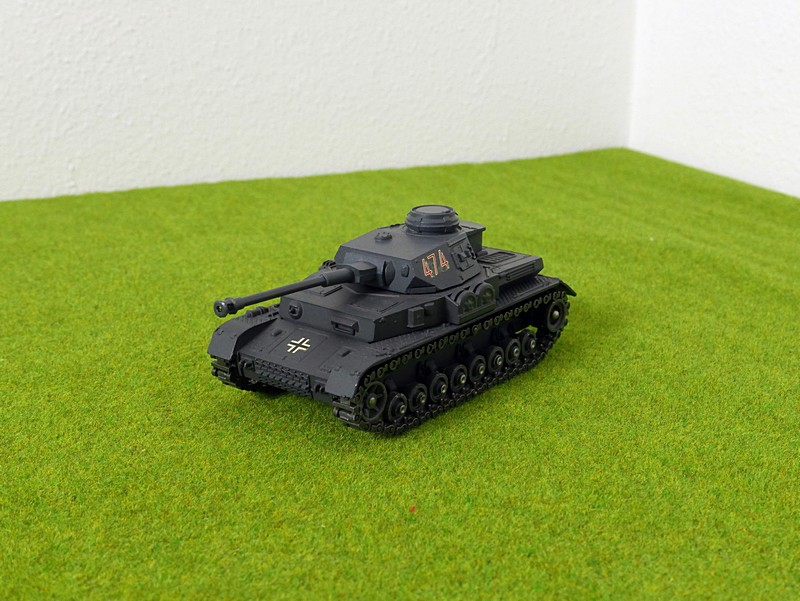 Solido Panzer IV left front view